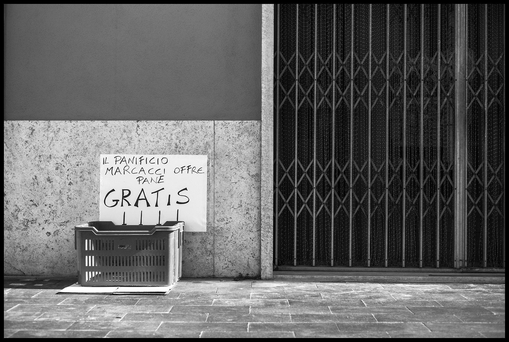 Bread for Free | Album QUARANTINE | Stefano Paradiso - Photographer