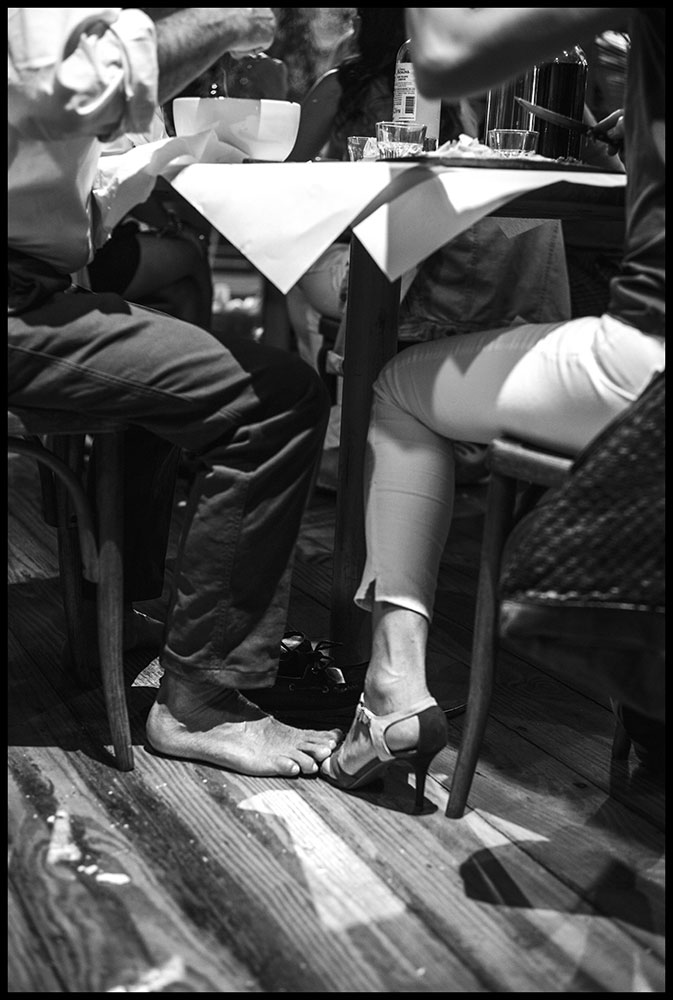 Feet to Feet - Street Photography | Stefano Paradiso - Photographer